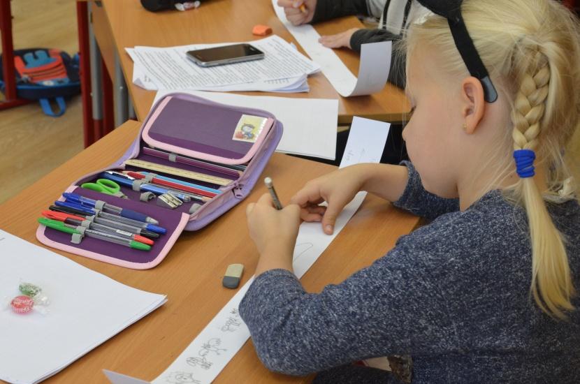 на занятиях Студии Читаем и рисуем