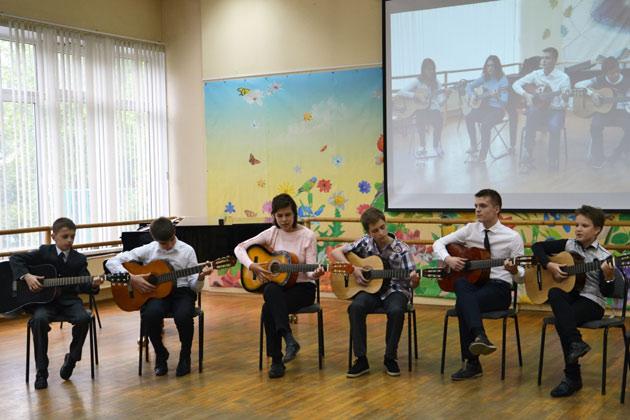 otchetny-concert-klass-gitara-may-2015-001.jpg